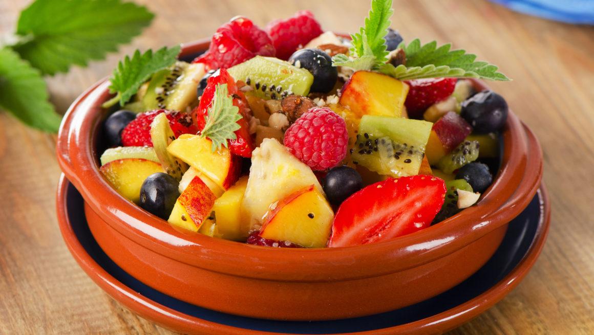 fruktsalat i skål